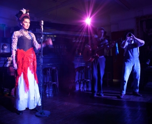 Silvana Maimone (Titania), Matt Jopling (Flute), Sarah Ratheram (Starveling) Photograph by Annabelle Narey
