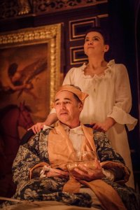 Mark Rylance and Melody Grove in Farinelli and the King Photo credit Marc Brenner (1)