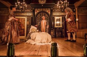 Melody Grove, Mark Rylance and Edward Peel in Farinelli and the King Photo credit Marc Brenner