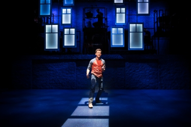 jonathan-bailey-as-jamie-in-the-last-five-years-at-st-james-theatre-photo-scott-rylander