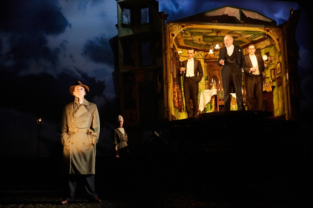 an-inspector-calls-at-the-playhouse-theatre-cast-of-an-inspector-calls-photo-by-mark-douet