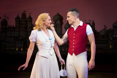 Wicked UK Ireland Tour 2018_Helen Woolf (Glinda) and Aaron Sidwell (Fiyero)_Photo by Matt Crockett_DSC_9035_RT
