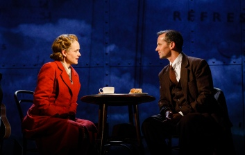 Isabel Pollen as Laura & Jim Sturgeon as Alec in Brief Encounter, credit Steve Tanner (2)