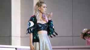 3330_vanessa_kirby_as_julie_in_julie_at_the_national_theatre_c_richard_h_smith
