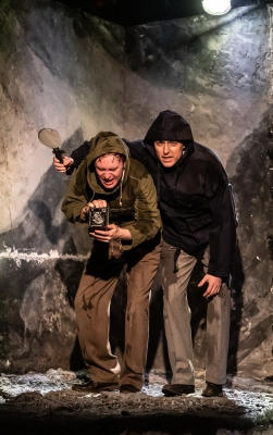 outlying islands, king's head theatre (jack mcmillan, tom machell) - courtesy of clive barda 2
